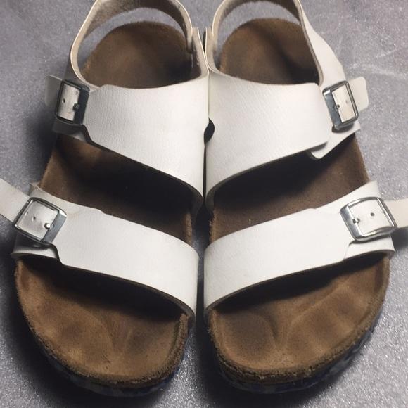 d52e0d607fa5 Birkenstock Shoes - Birkenstock Women s Size 8 white w Back Strap
